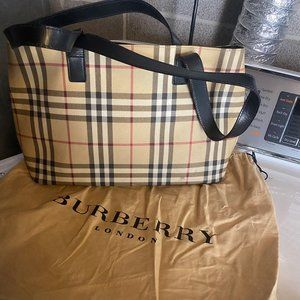 Authentic Burberry Nova Check Shopper purse